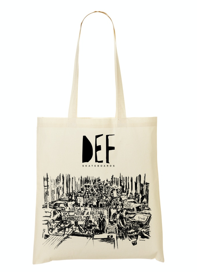 Stretch goal! If we reach 7000€ this Gola Deck inspired tote bag will be shipped out to all backers who have spent a minimum of 20€ with no extra shipping costs!