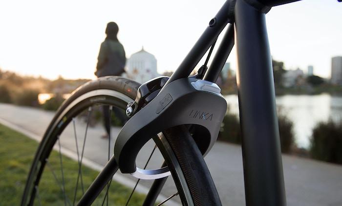 Linka World S First Auto Unlocking Smart Bike Lock By Velasso Kickstarter