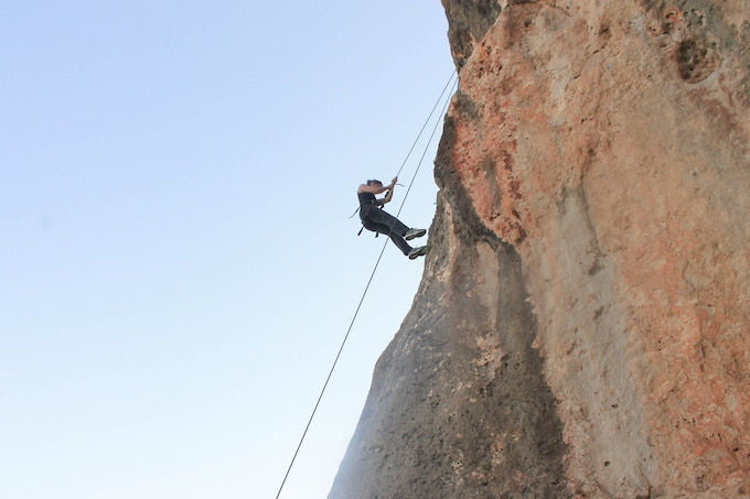 Caroline went rock climbing in Malta in exchange of giving Leo a crash course in French