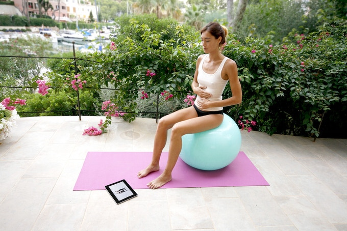 Train your pelvic floor muscles with Carin