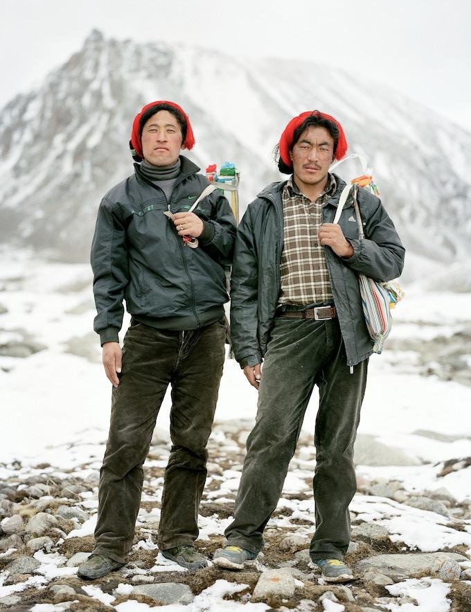 left name: Lo Sang Yei Shi - age: 27 - origin: Makame - count of koras: 5    right name: Tei Mei Gy - age: 28 - origin: Makame - count of koras: 5