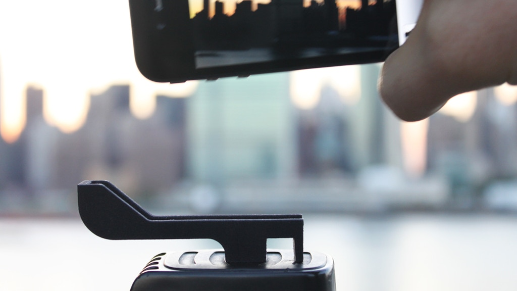 Glif - iPhone 4 Tripod Mount & Stand project video thumbnail