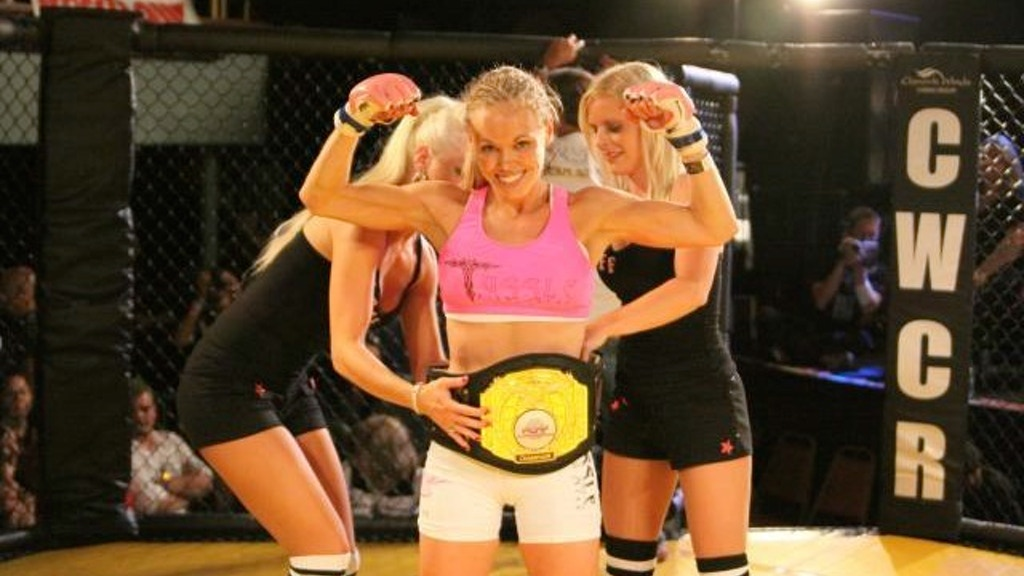 FIGHT DREAMS: Mother Turned MMA Cage Fighter project video thumbnail