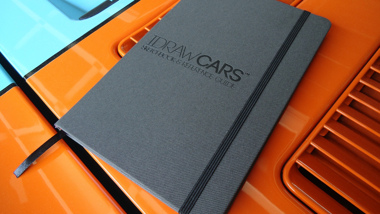 I DRAW CARS Sketchbook & Reference guide is an indispensible tool for students, designers, hobbyists, artists and car enthusiasts.