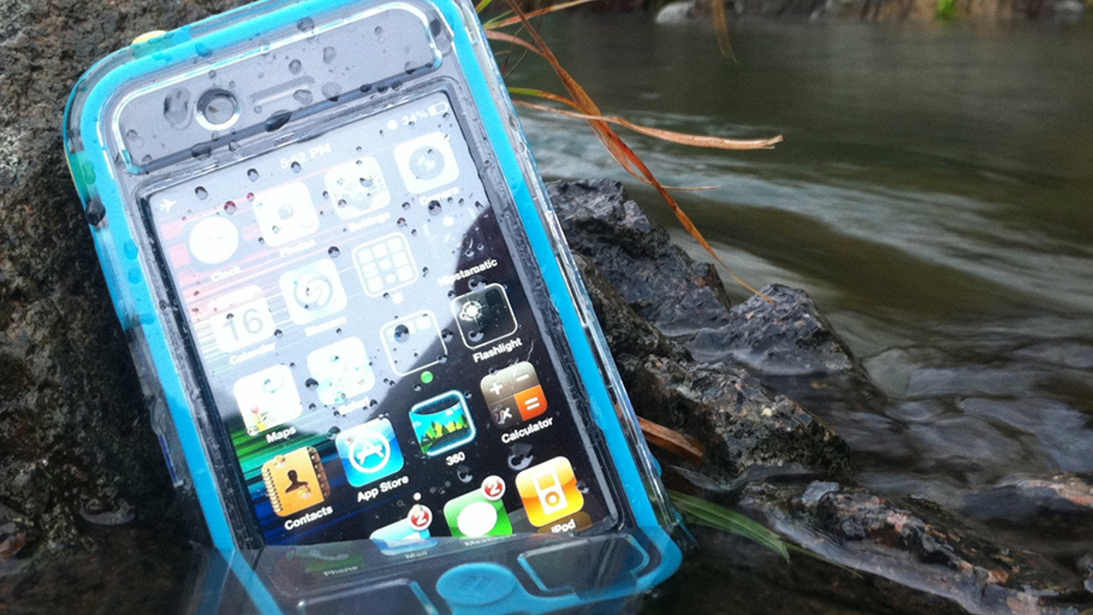 EscapeCapsule is a waterproof case that protects your iPhone4 from water, rain, snow, sand, impacts & anything else you can throw at it