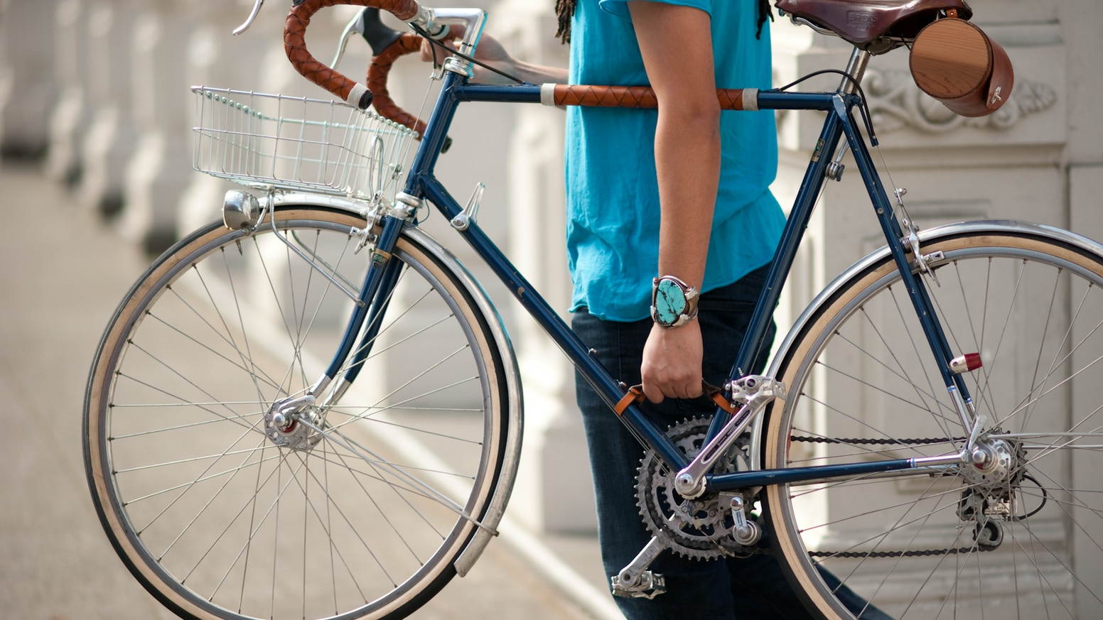 A made-in-USA leather handle that makes carrying your bicycle as easy as carrying a briefcase.