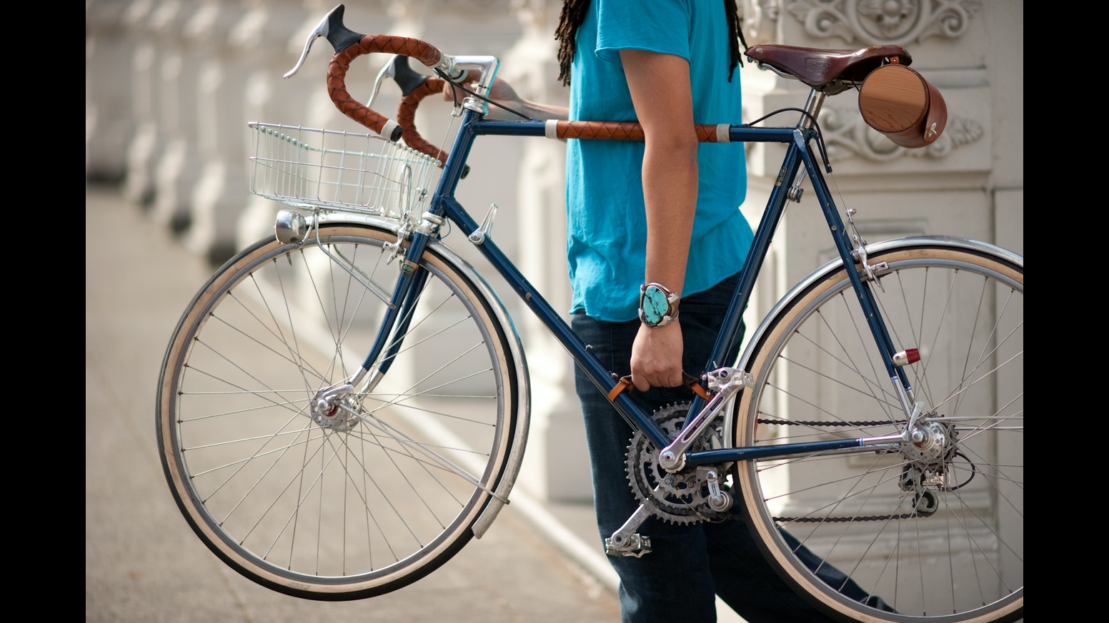 a made in usa leather handle that makes carrying your bicycle as easy as
