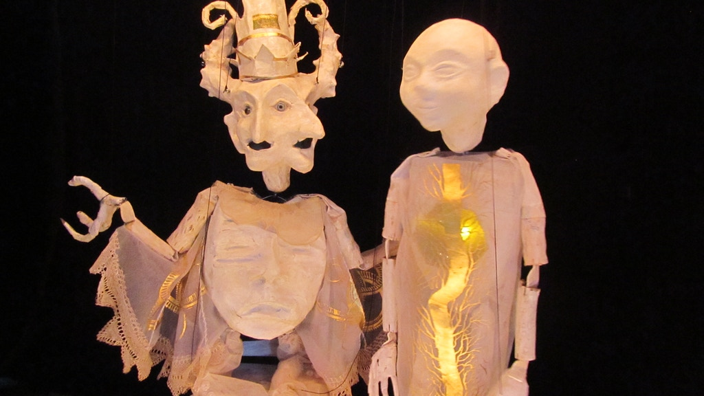 'The Green Gold Tree' A multimedia marionette show project video thumbnail