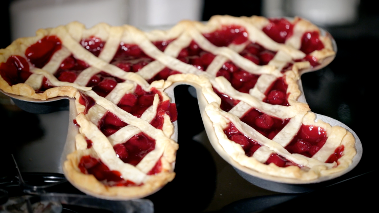 Pi Pie Pans The Geekiest Way To Bake A Pie By Garrett H