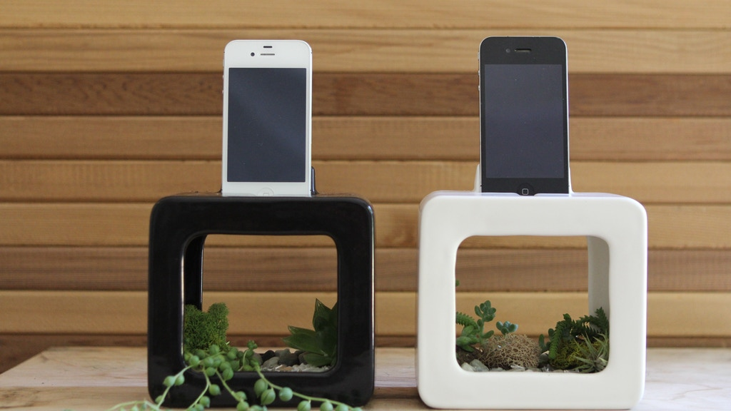 The Bloombox iPhone Dock, Planter, and Sound Amplifier project video thumbnail