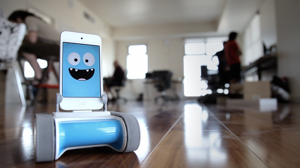 Romo - The Smartphone Robot for Everyone project video thumbnail