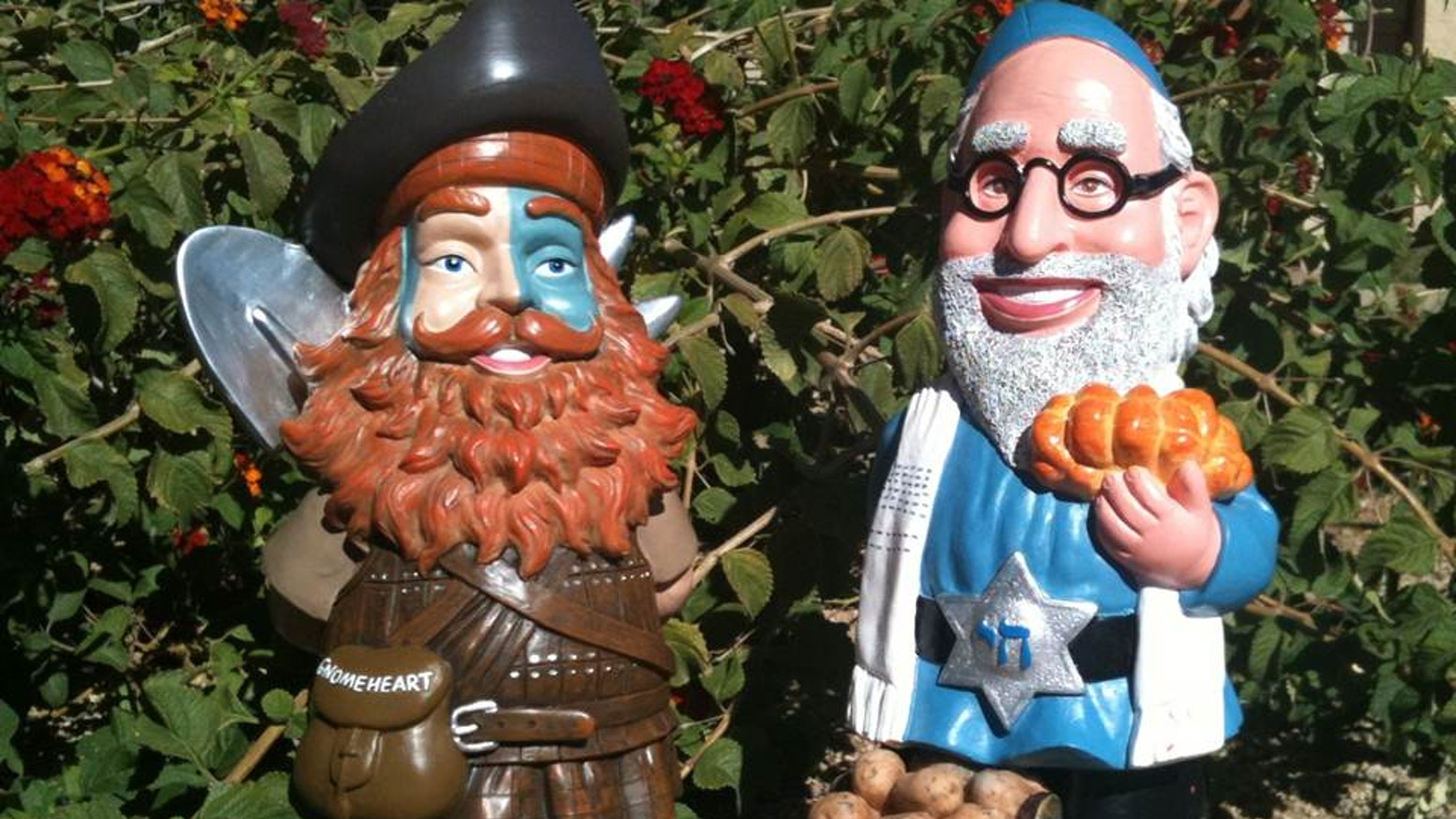 Gnome In Garden: Shalom Gnome & GnomeHeart The Coolest Garden Gnomes! By