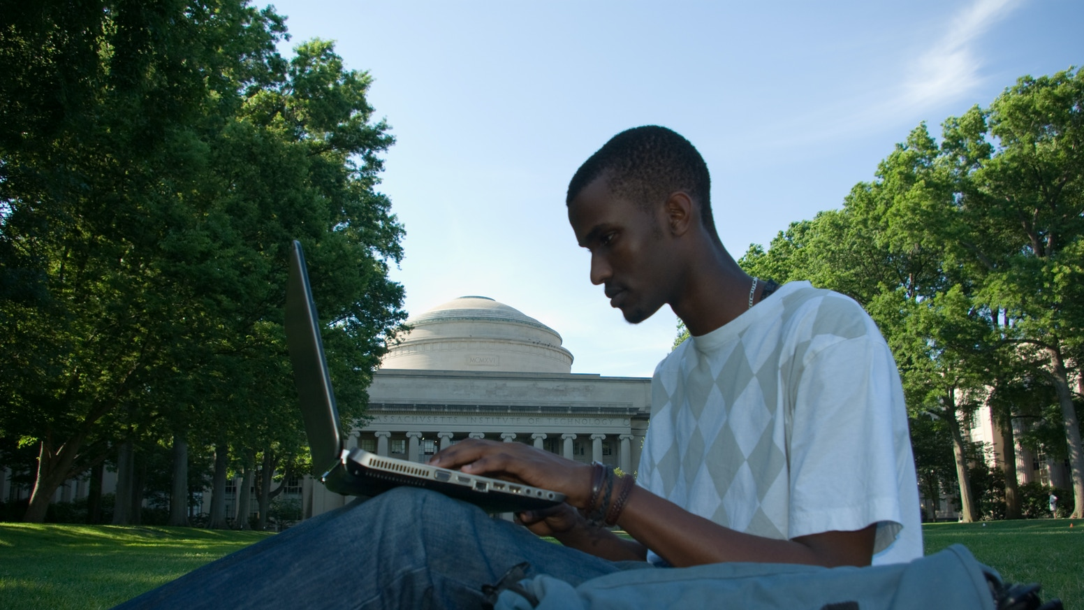 4 African youths pursue knowledge at an elite American university, MIT. Over 4 years they discover engineering, the world, themselves.