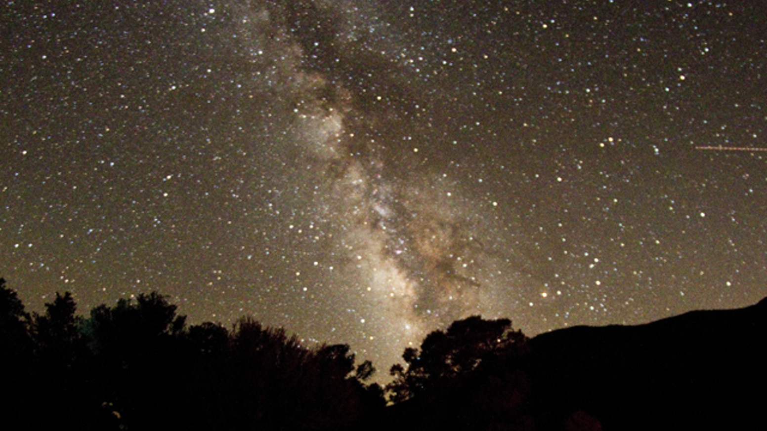 Two astrophotographers set out to capture the perfect Milky Way image.