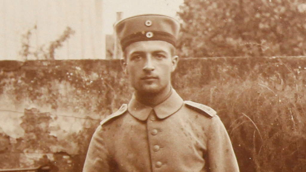 Experience World War I through a German officer's photos project video thumbnail