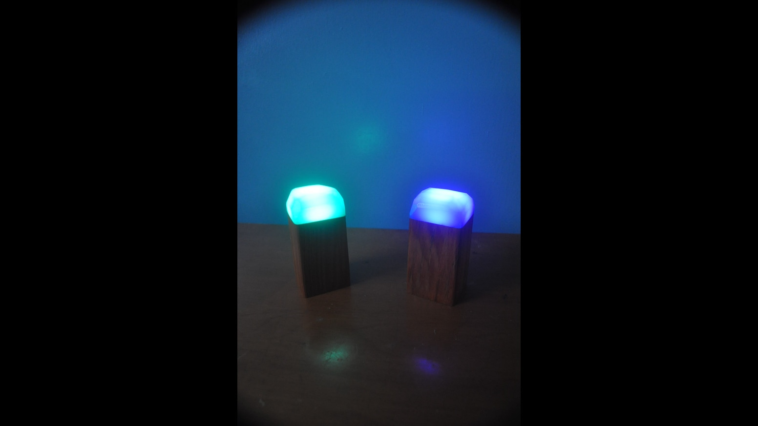 Led night light kickstarter - Powered By A Small 9 Led Flashlight