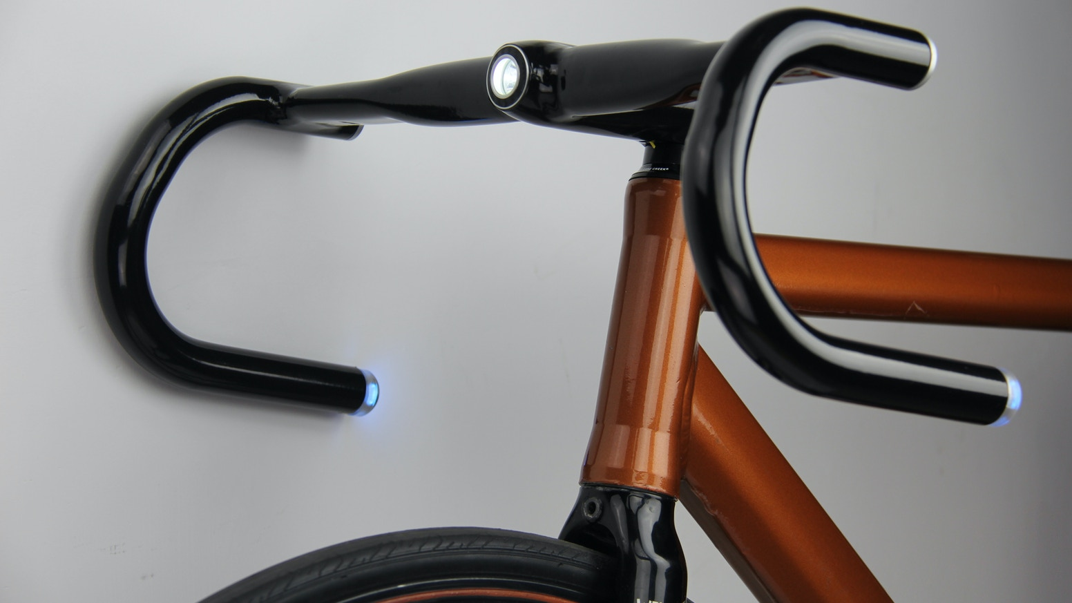 The world's first integrated headlight & blinker system for bicycles. Utilize Bluetooth 4.0 & GPS to add smart features to any bike.