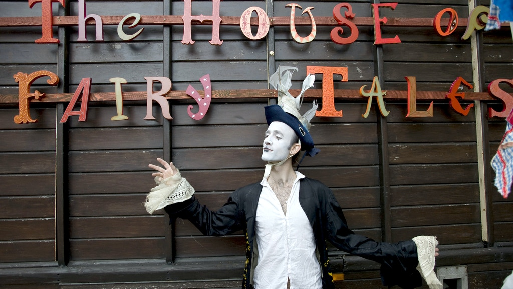 The House of Fairy Tales Canning Town Art Circus project video thumbnail