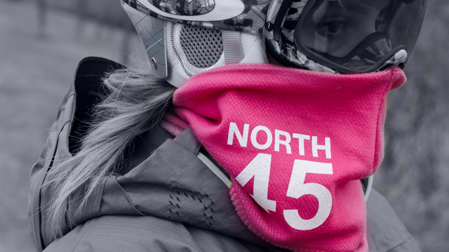 A light weight Merino wool scarf that connects to your goggles magnetically. Beautiful. Warm. Functional.