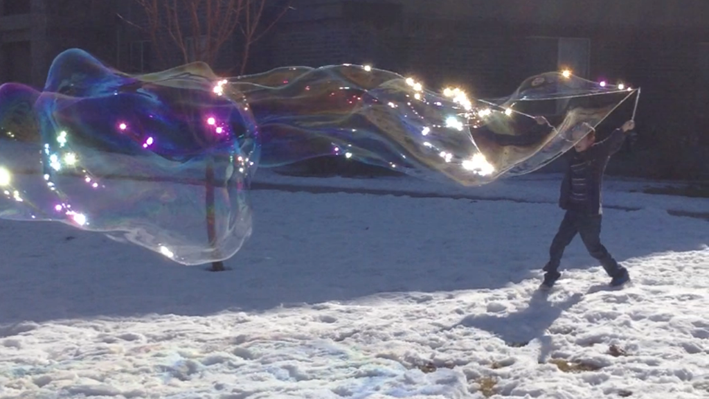 Wonki Wands: Mind-Blowingly Enormous Bubbles project video thumbnail