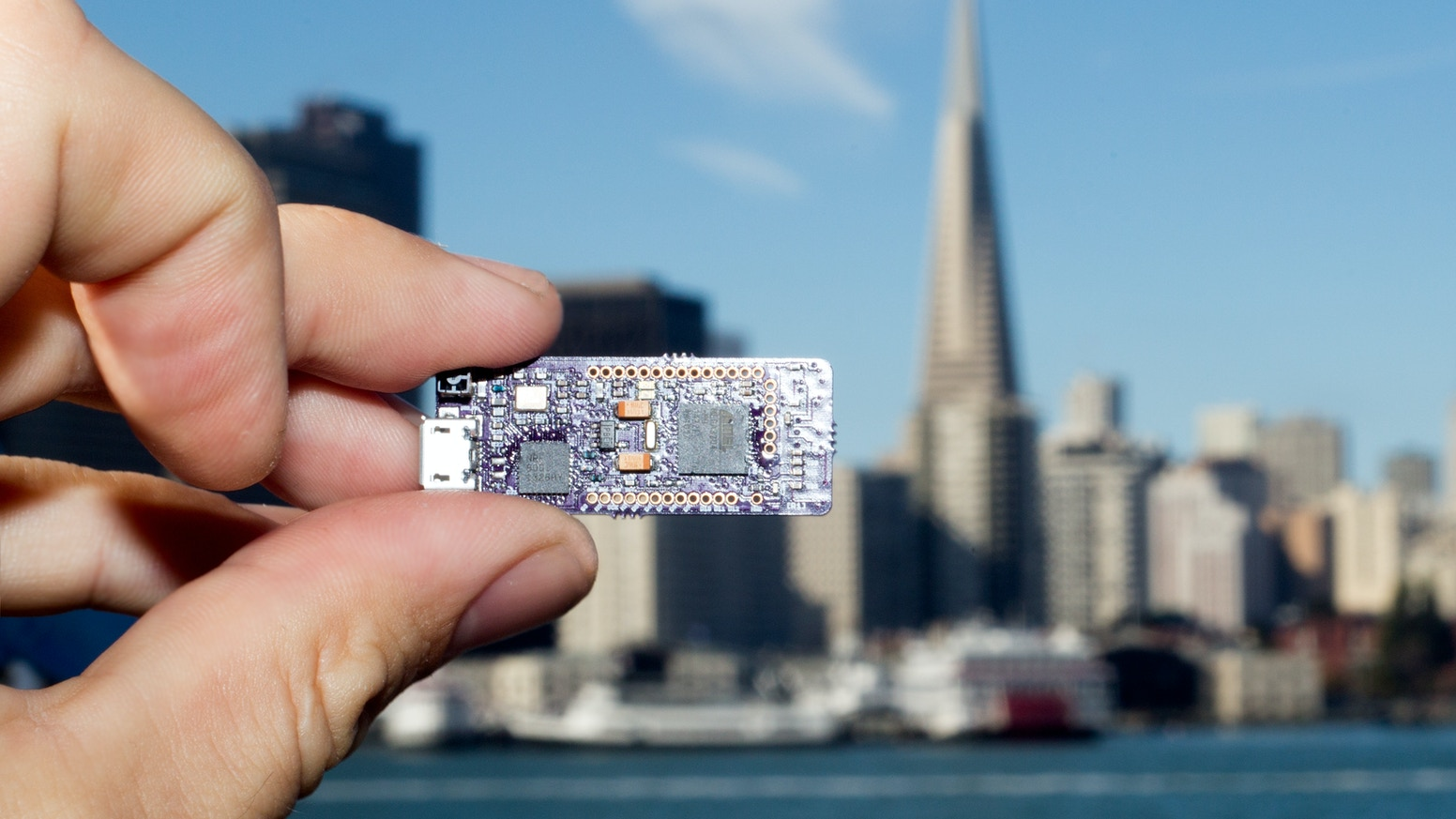 The world's FIRST 3D Beacon! The only board that does Wireless 3D. Build apps with HTML5 and Bluetooth Low Energy!