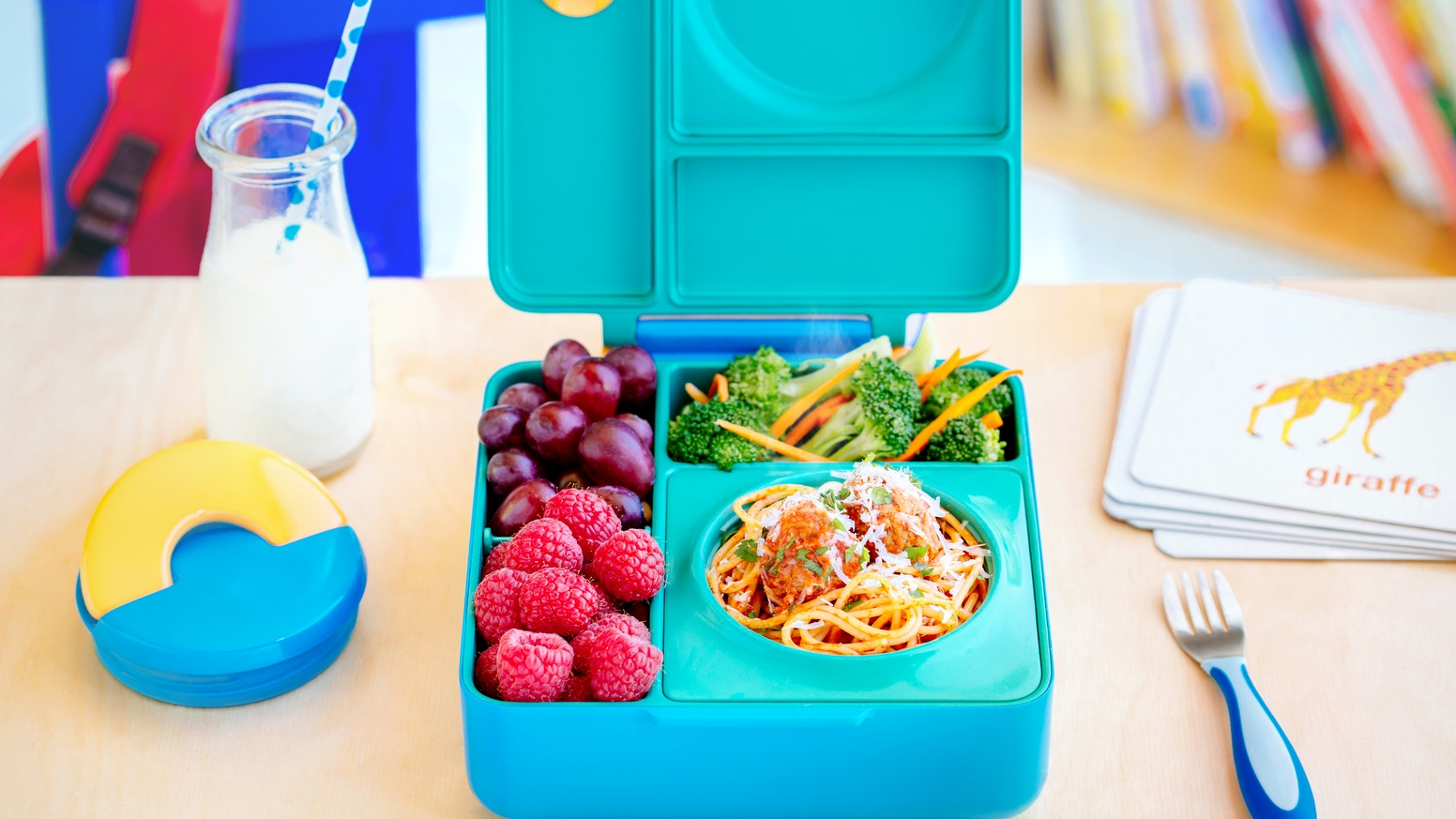 A lunchbox for hot and cold food so you can send your kids' favorite meals.  Simple and easy to use, OmieBox makes every lunch perfect.