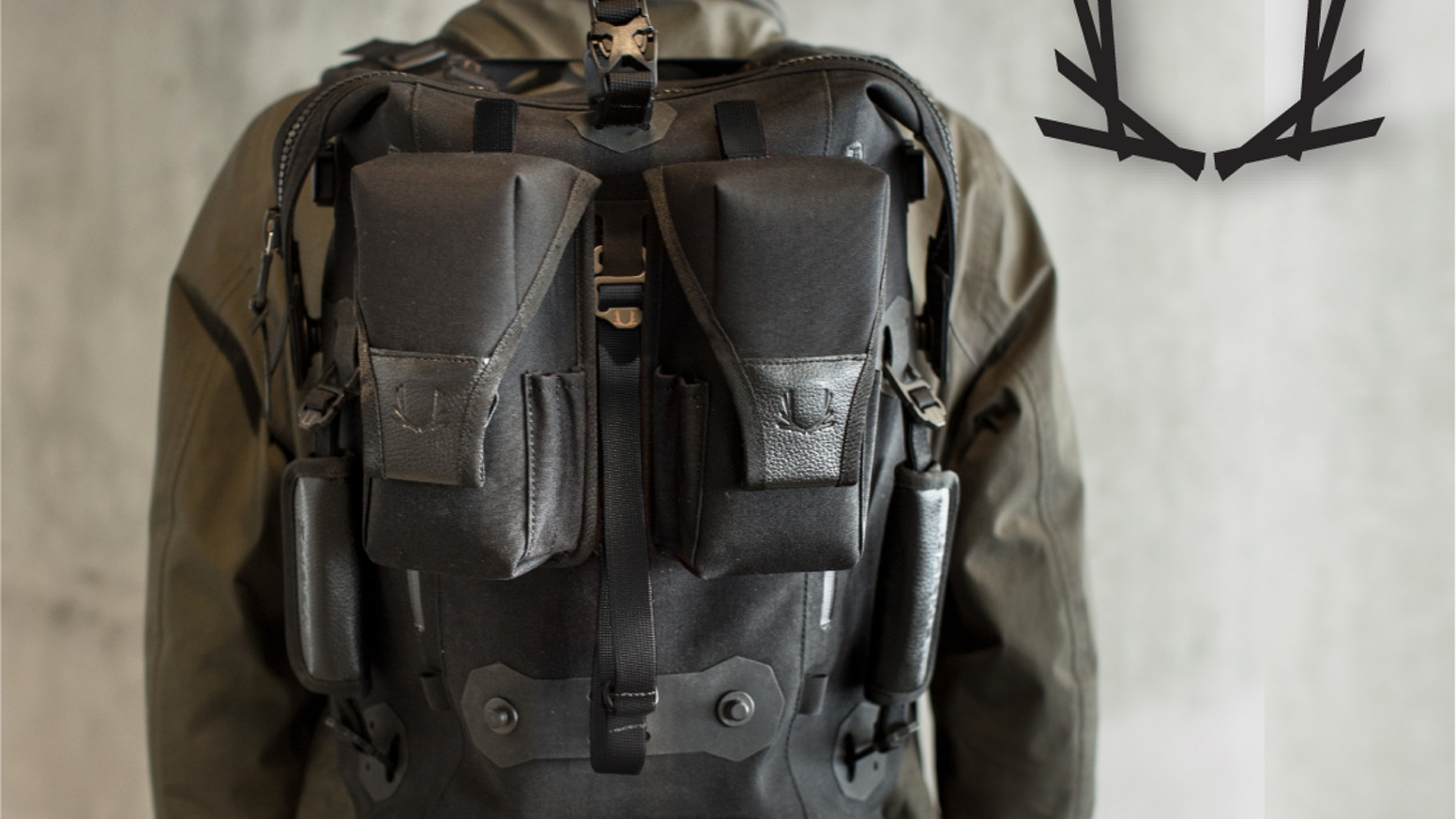 26d43be396b6 EMBER EQUIPMENT - MODULAR URBAN BACKPACK. Inspired by the outdoors