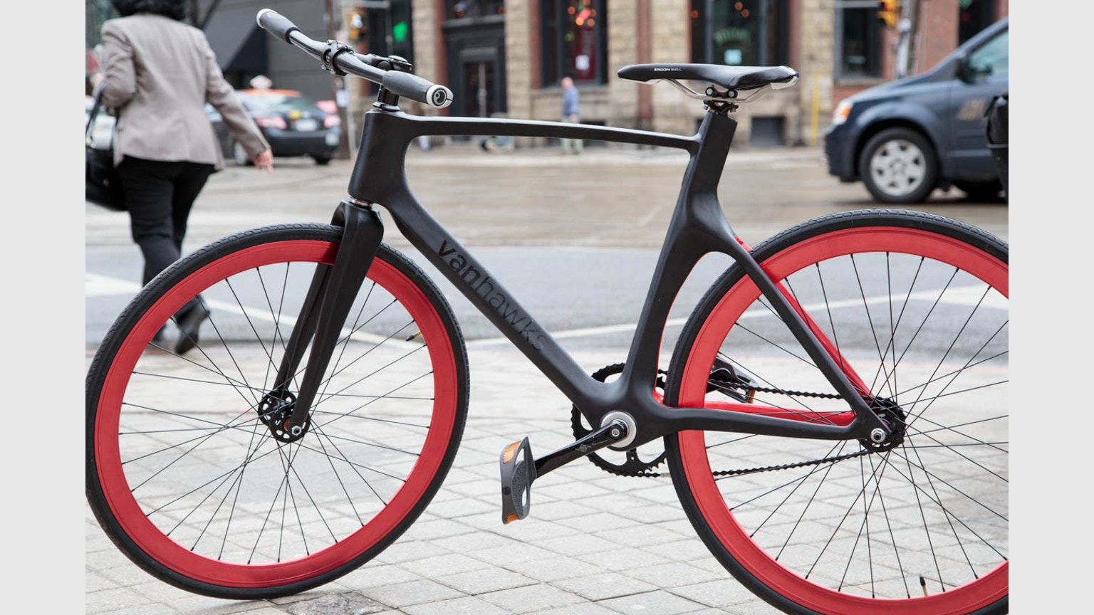 Vanhawks Valour First Ever Connected Carbon Fibre