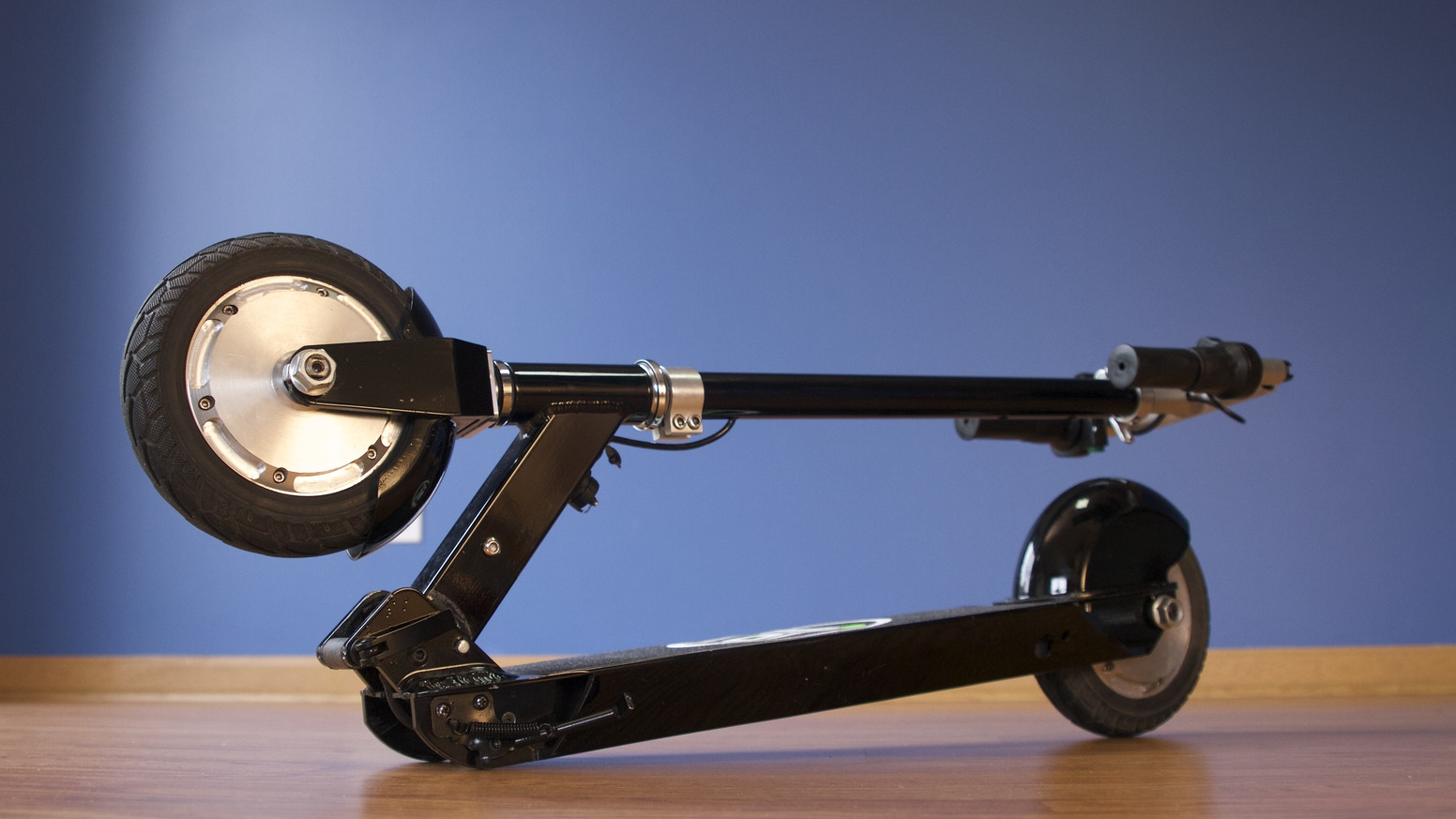A Lightweight Practical And Affordable Lithium Ion Battery Ed Electric Scooter For
