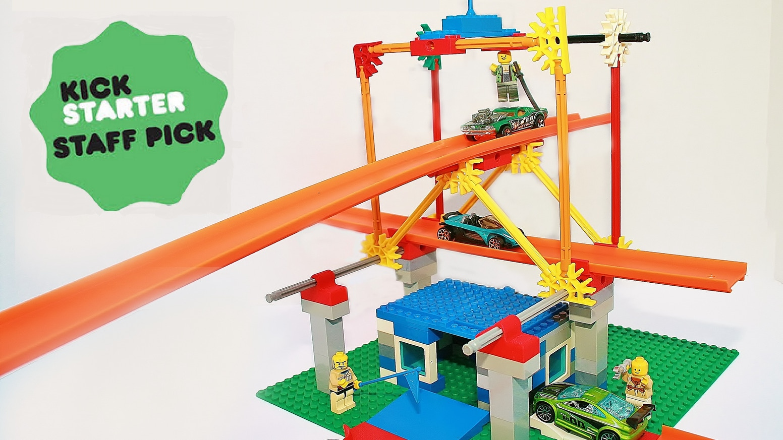 Versa Bricks™ allow you to connect your Lego® brick creations to HOT WHEELS® tracks and K'NEX® building systems.