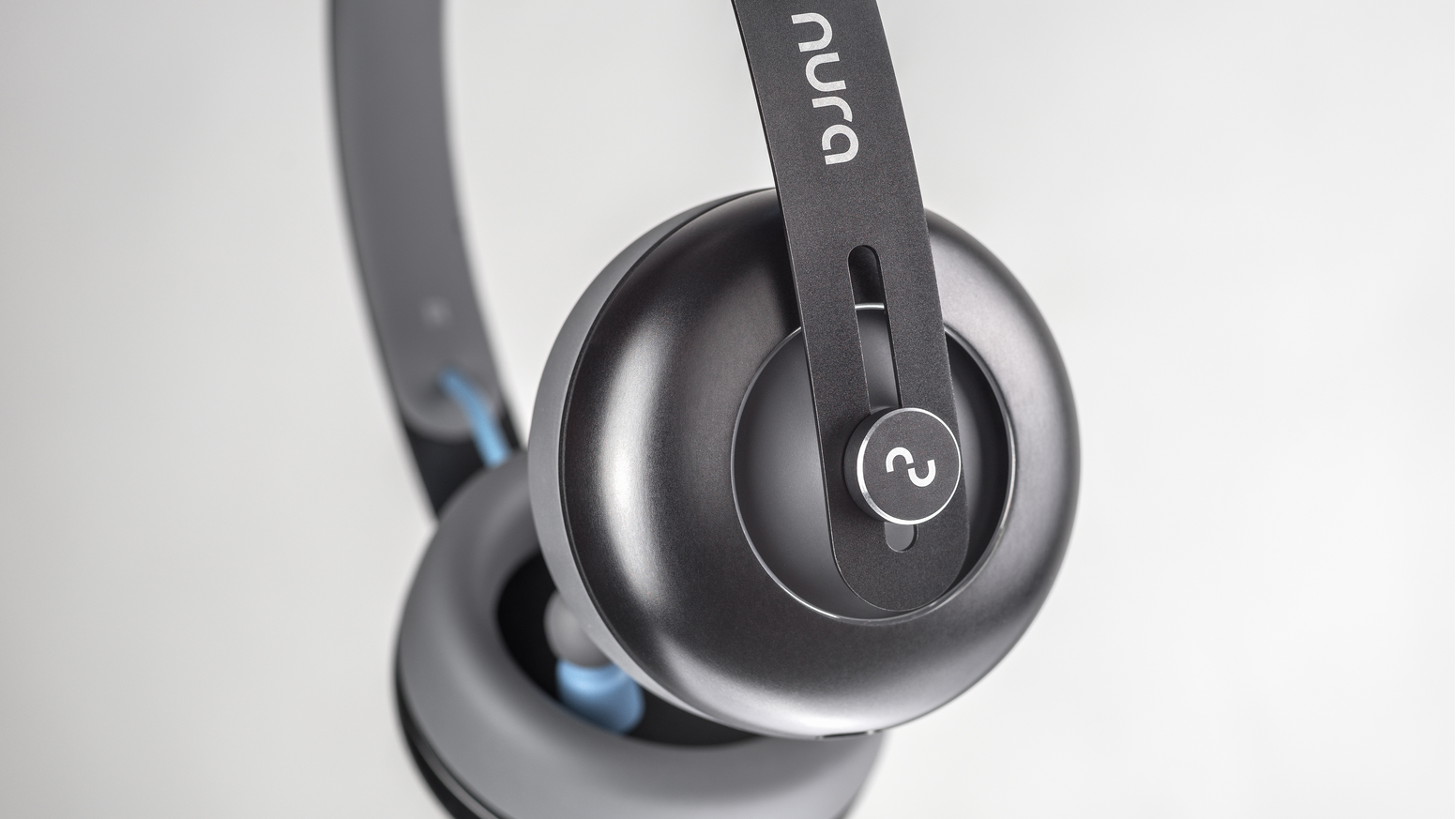nuraphones have an in and over ear design and  automatically tune to your unique hearing in 30sec.     Pre-order | nuraphone.com