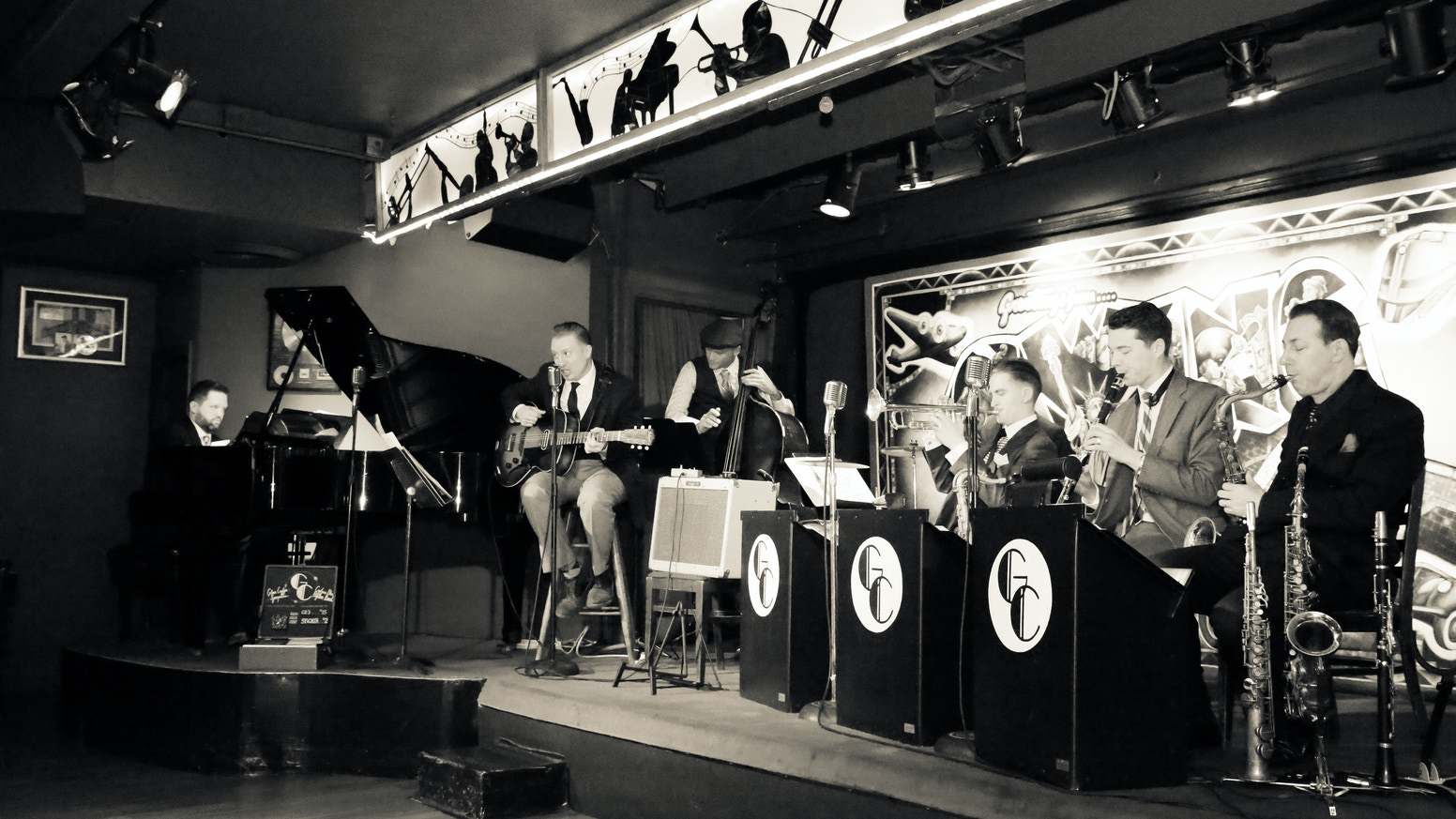 UPTOWN JUMP is Glenn Crytzer's new project: an album of ALL ORIGINAL swing music w/ his new NYC based swing band: the Savoy Seven!