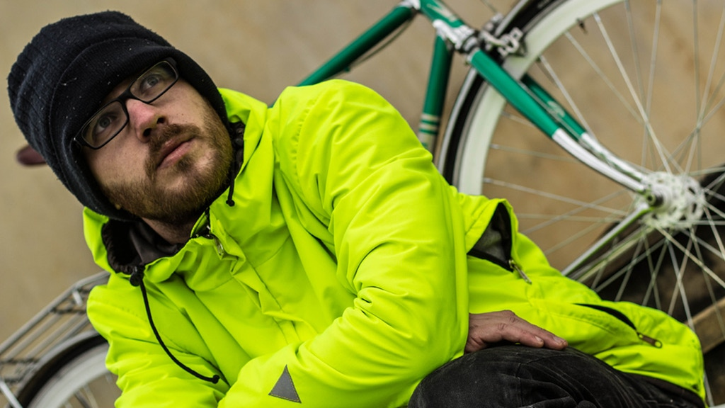 Mova Cycling Jacket: Your Essential Jacket for Urban Cycling project video thumbnail