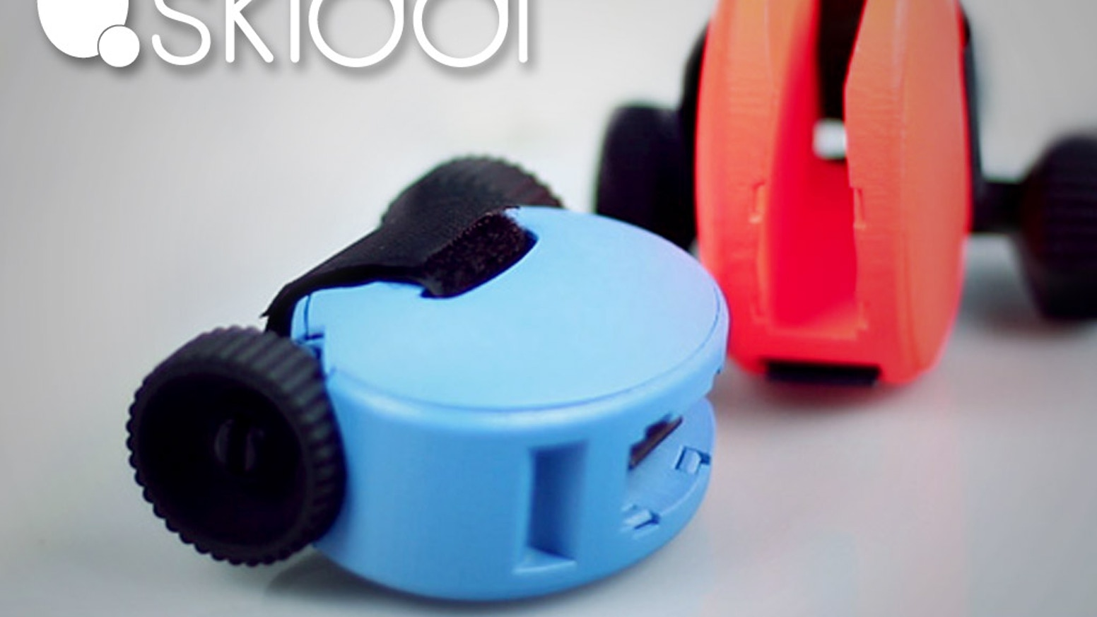 SKIDDI is the first ski-wheels pocket-sized.It's 100% made in Italy and it is a Social good.