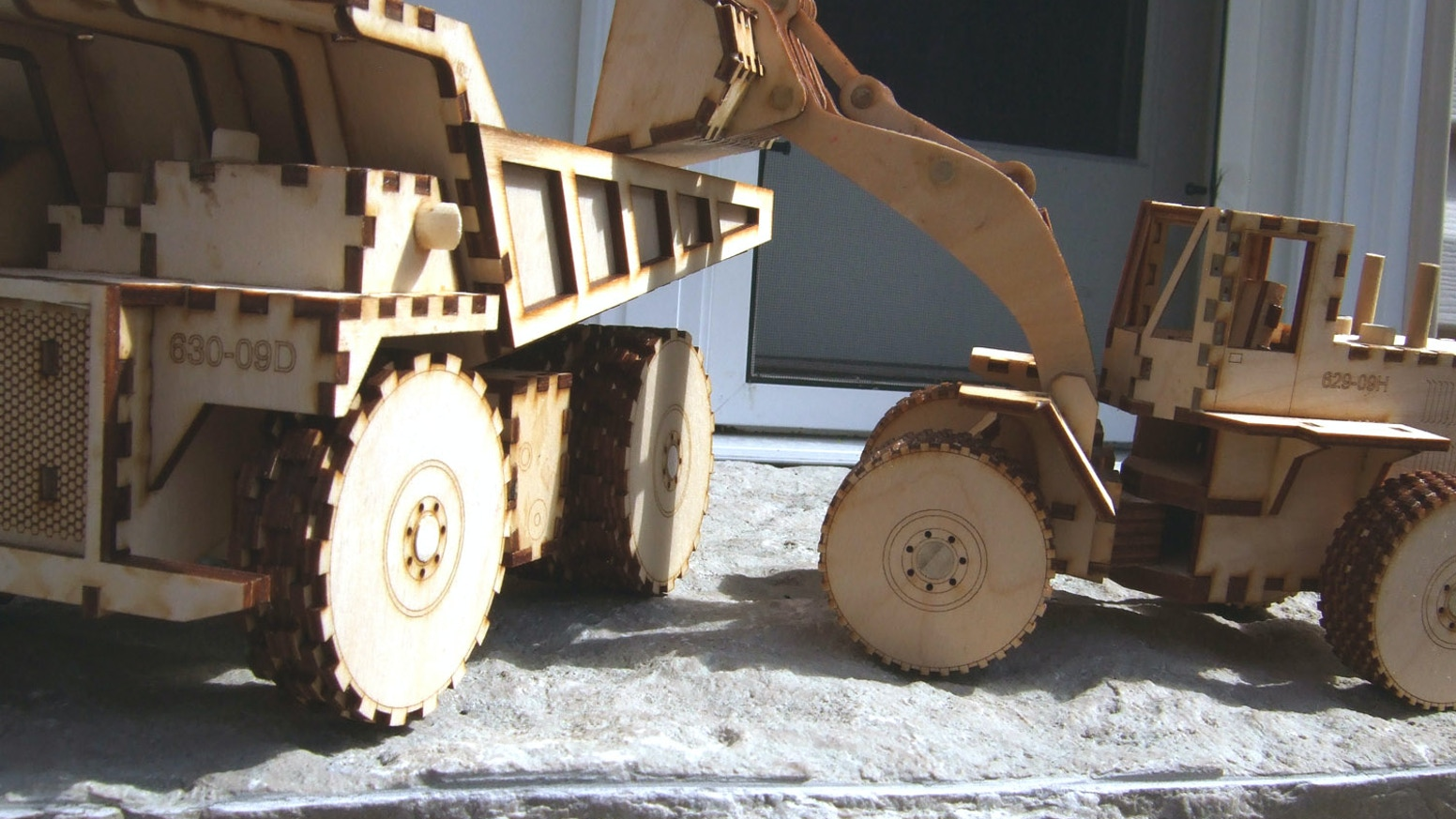 heartwood toys: laser cut wooden construction toys