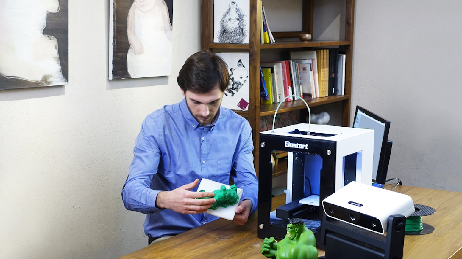 EinScan-S: The world's first white light desktop 3D Scanner. Fast, accurate, safe 3d scanner for creative 3D printing applications.