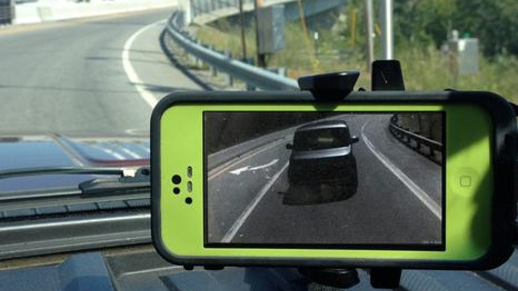 Project image for RV Rear View Camera Uses Your Phone As A Rear View Mirror