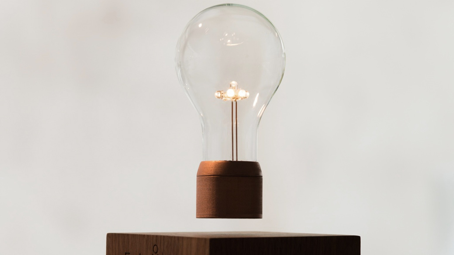 Flyte is a levitating lightbulb powered through the air.