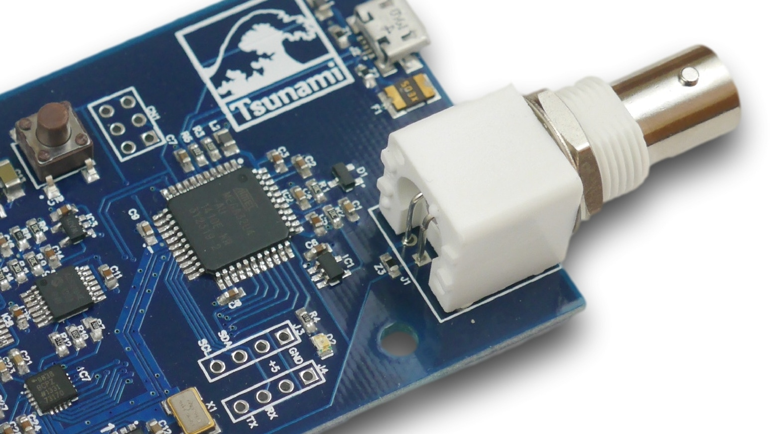 The Tsunami is a powerful and flexible signal generator, analyzer, and experimenter's kit built on the Arduino platform.