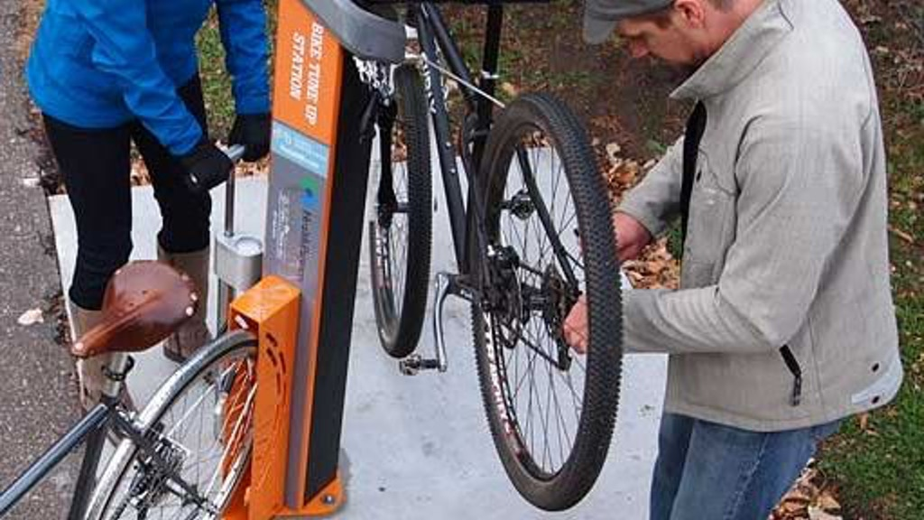 Public Bike Repair Stand @ Milwaukie City Hall project video thumbnail