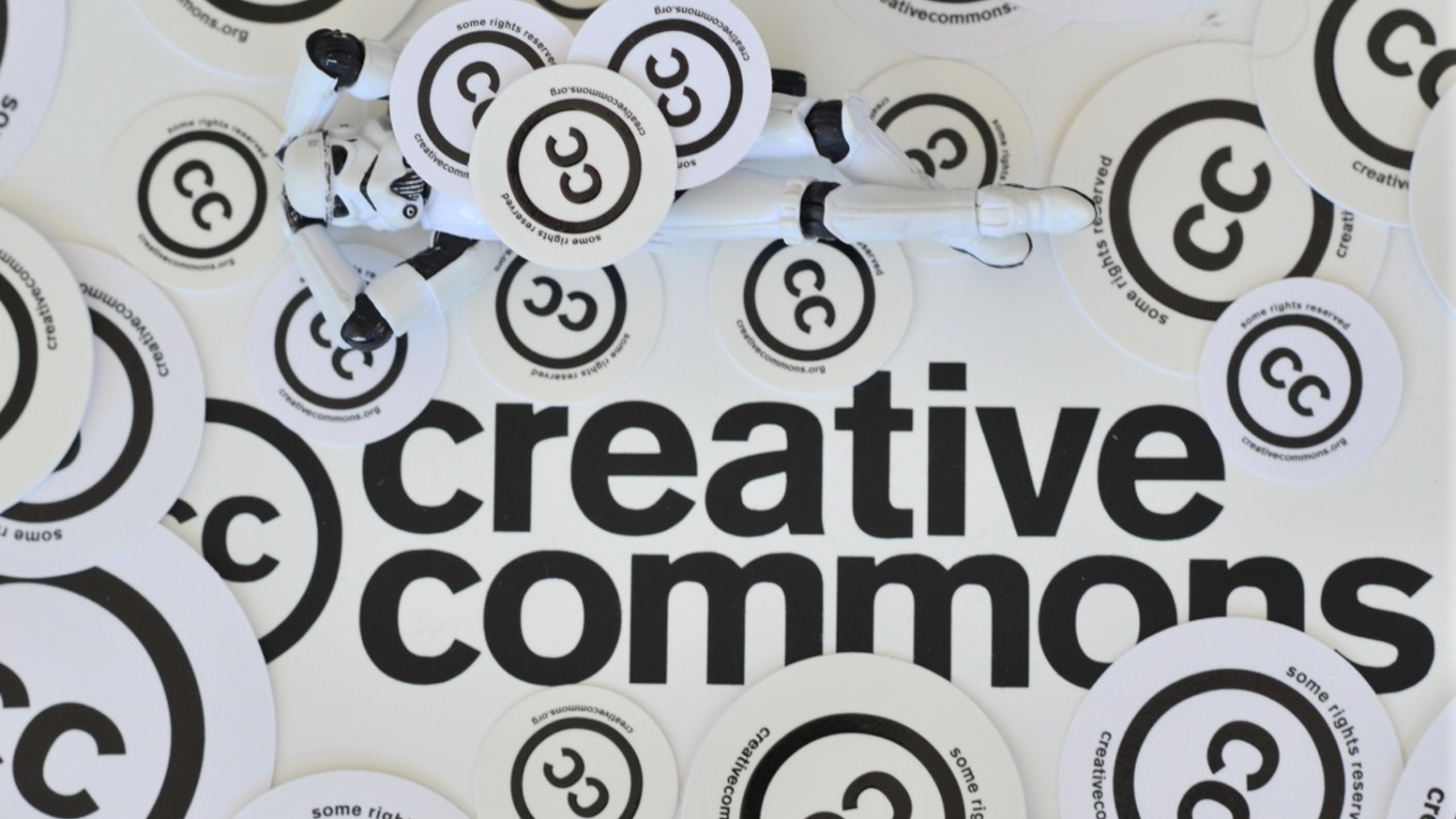 Made with Creative Commons: A book on open business models