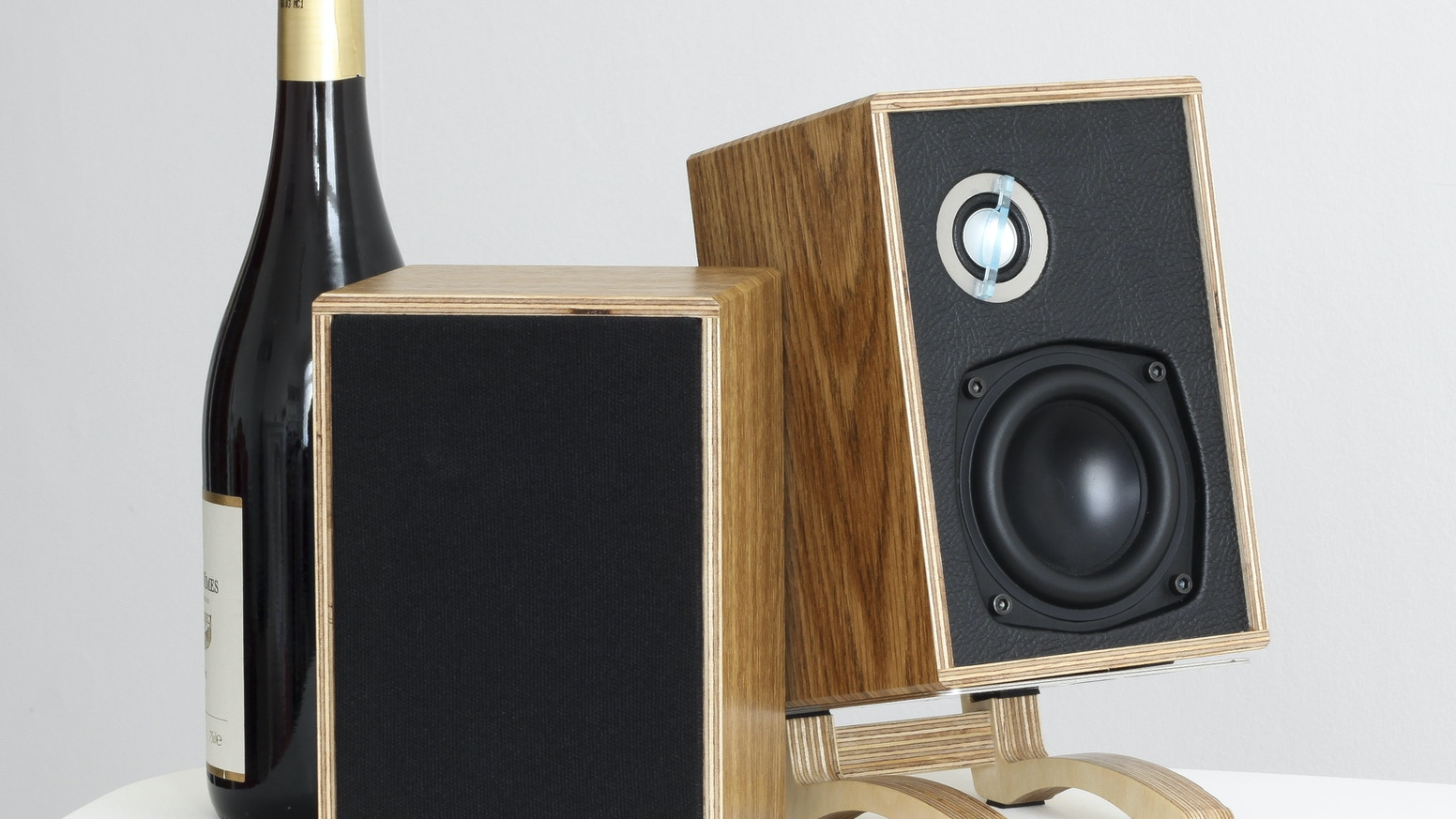 High-end build techniques applied to a truly desktop size, bluetooth enabled, fully active loudspeaker design.