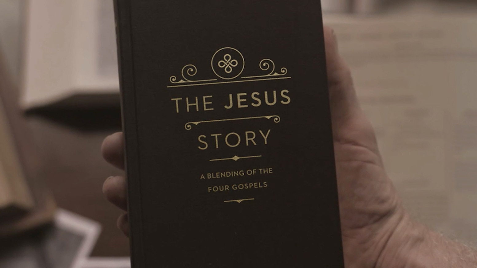The Jesus Story blends all four Gospel accounts into a single harmonious narrative while capturing the essence of every writer.