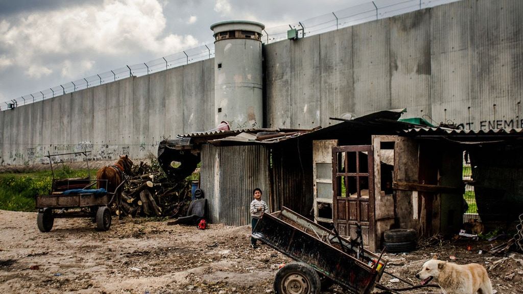 Palestine Photography on the Fringe - Hamde's Story project video thumbnail