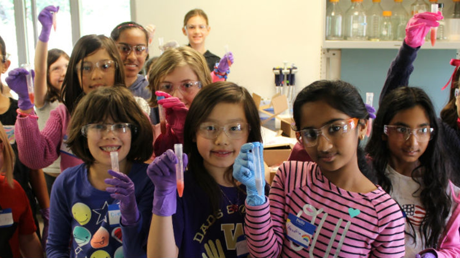STEMbox is a subscription box that makes real science accessible to young girls and empowers them as young scientists.