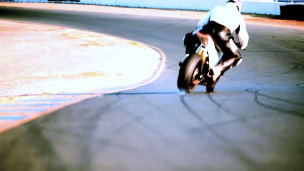 Miniature de la vidéo du projet Power in Flux: The History of Electric Motorcycles