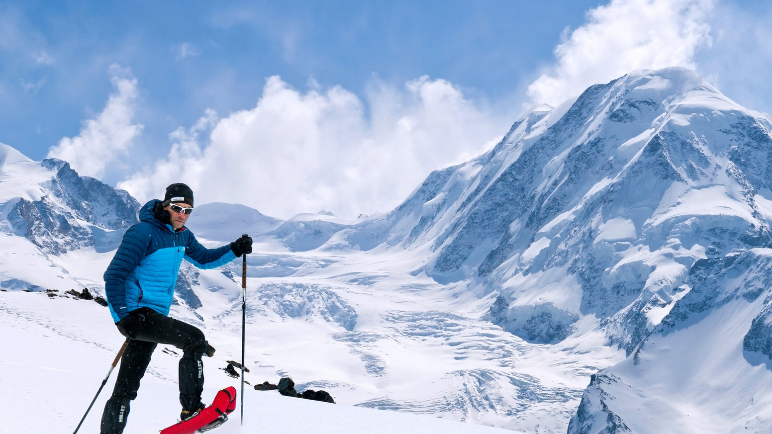 Small Foot help you easily traverse areas of deep snow. Ideal for all snow activities, they are light, durable and compact.