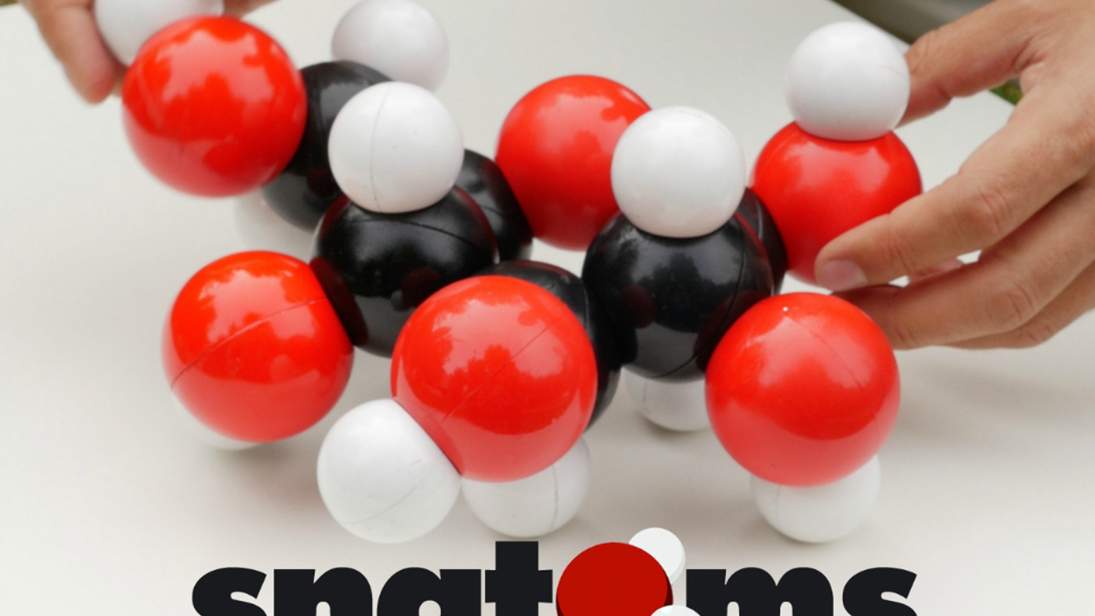 A molecular modeling kit with magnetic atoms that snap together. Make molecular models with attraction you can feel!