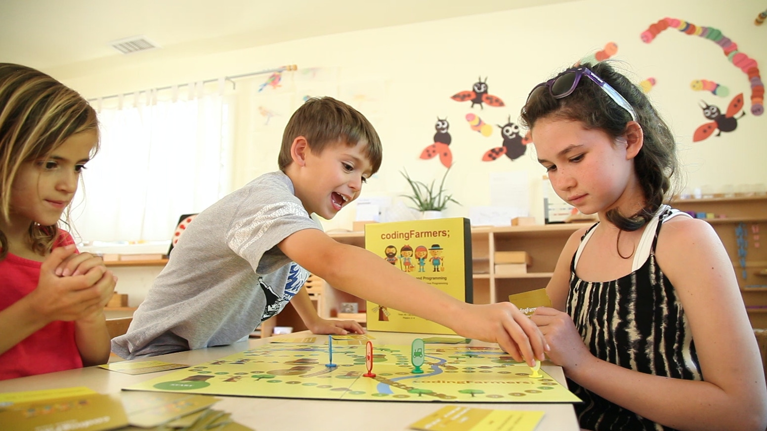 codingFarmers is a board game that teaches children (7+ years) real programming concepts in a fun and intuitive way.