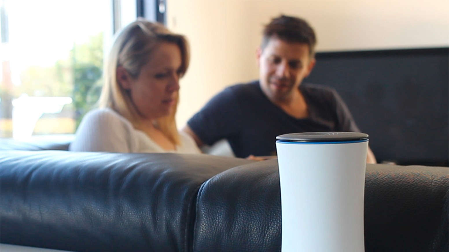 helixee is the first connected object that makes it easy and safe to back up and share your digital life at home or at the office